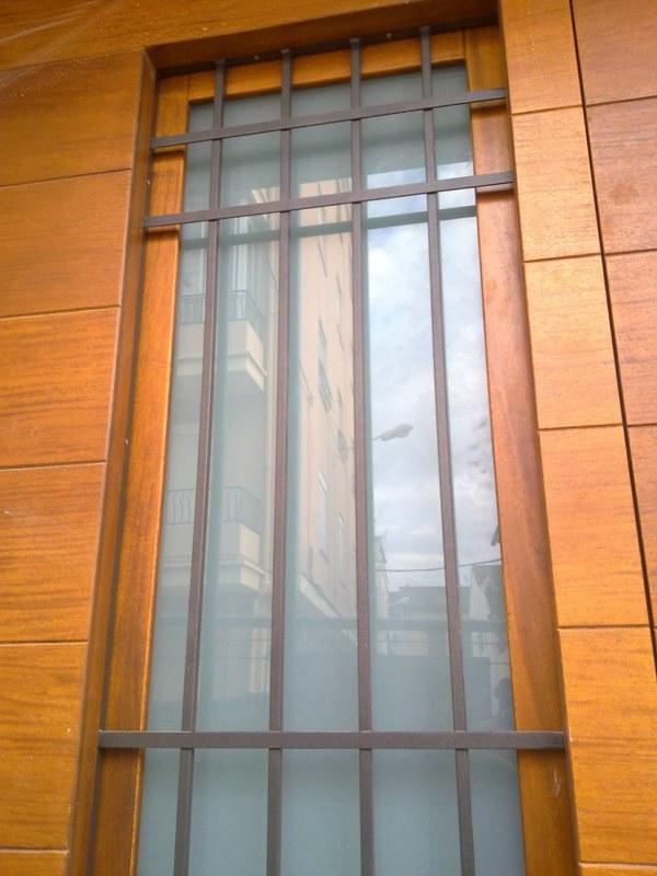 rejas para puertas de madera